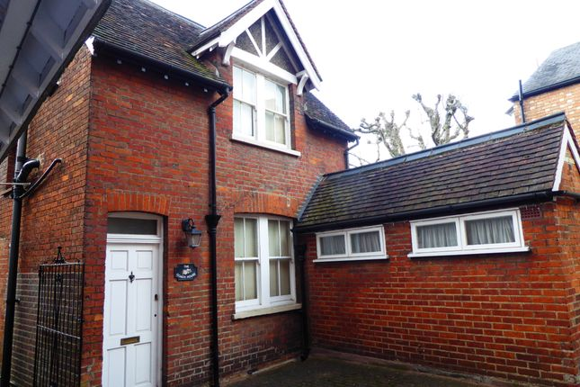 Thumbnail Lodge to rent in 14 De Parys Avenue, Bedford