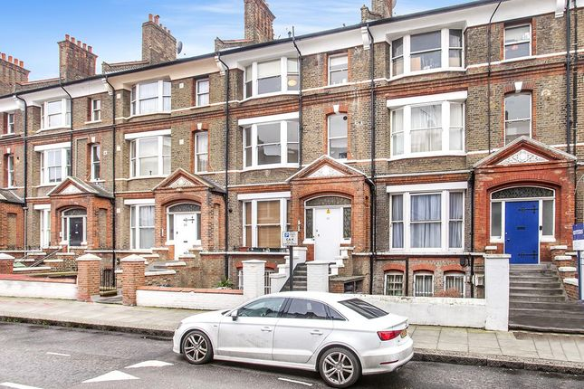 2 bed flat to rent in Birchington Road, London