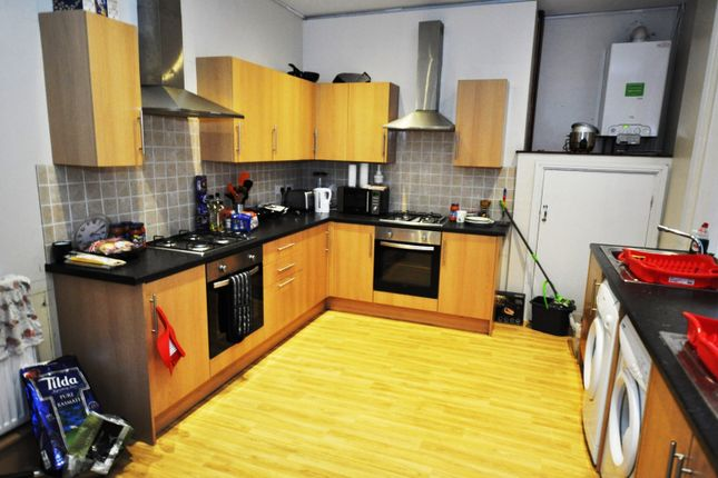 Thumbnail Property to rent in Portland Terrace, Sandyford, Newcastle Upon Tyne