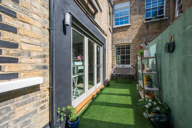 Thumbnail Town house to rent in Vallance Road, London