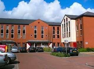 Serviced office to let in Bridge House, Sunderland