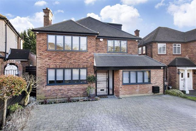 4 bed detached house for sale in Marsh Close, London NW7