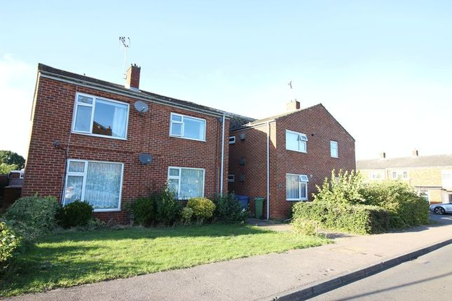 Thumbnail Flat for sale in Woodcroft, Harlow