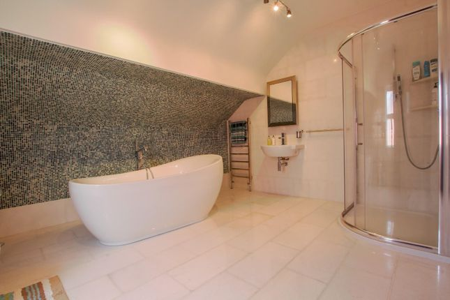 Bathroom of Westbourne Road, Birkdale, Southport PR8