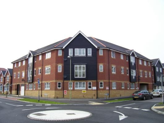 Thumbnail Flat to rent in Kings Prospect, Ashford, Kent
