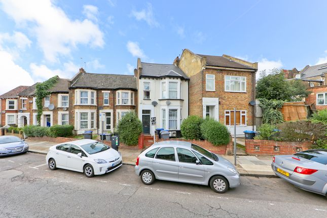 3 bed flat for sale in Nightingale Road, London