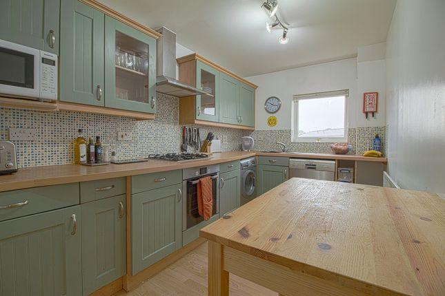 Kitchen of Scott-Paine Drive, Hythe, Southampton SO45