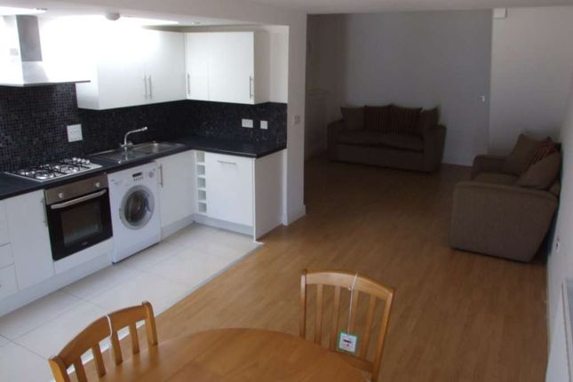 Thumbnail Detached house to rent in Dogfield Street, Cathays, Cardiff