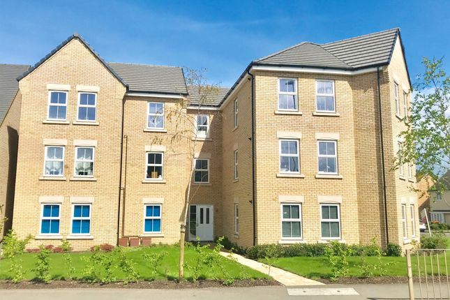 Flat for sale in Kestrel Way, Leighton Buzzard