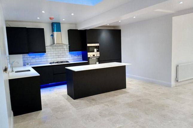 4 bed property for sale in Hartforde Road, Borehamwood WD6