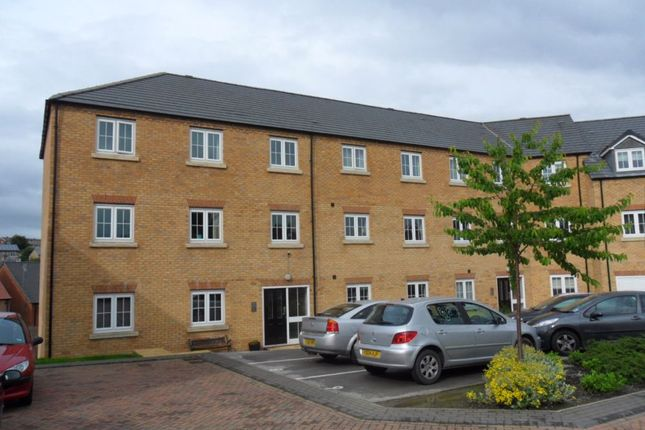 Thumbnail Flat to rent in Broadlands View, Pudsey, West Yorkshire