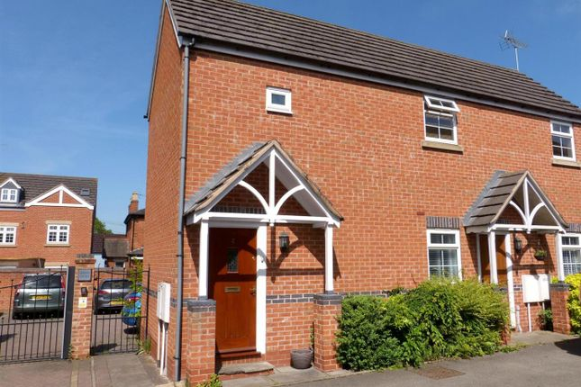 Thumbnail Maisonette for sale in Queen Street, Astwood Bank, Redditch