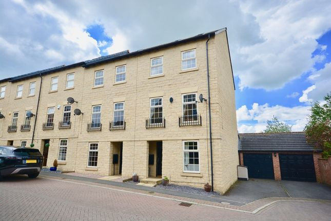 Thumbnail Town house to rent in Hepworth Close, Woolley Grange, Barnsley