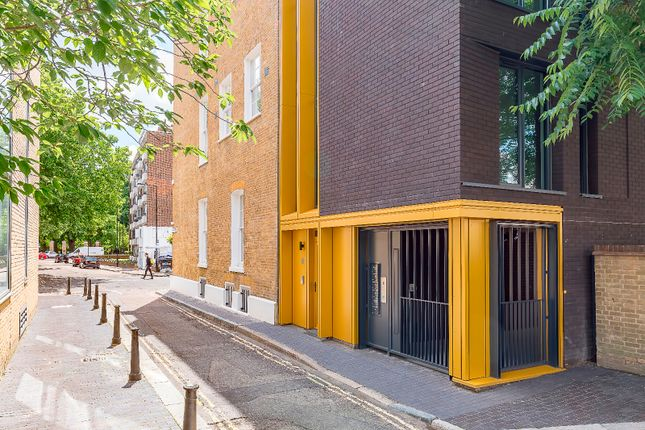 Thumbnail Flat for sale in Paradise Street, Bermondsey