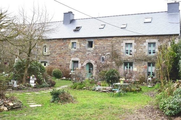 Detached house for sale in 22530 Saint-Guen, Côtes-D'armor, Brittany, France