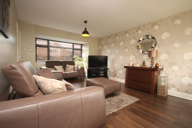 Thumbnail Property to rent in Ballards Walk, Basildon