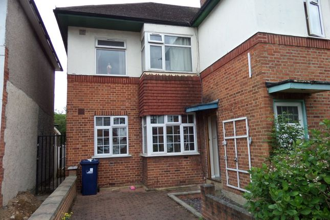 Thumbnail Flat to rent in Livingstone Road, Southall, Middlesex