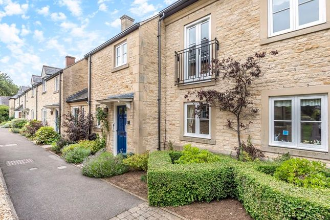 Thumbnail Flat for sale in The Orchard, The Croft, Fairford