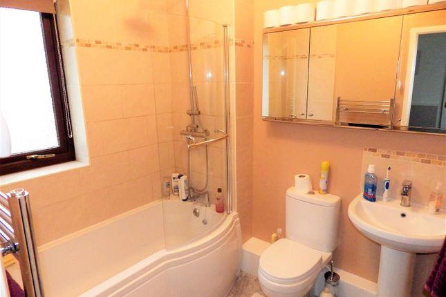 Bathroom of The Vineyards, Holsworthy EX22