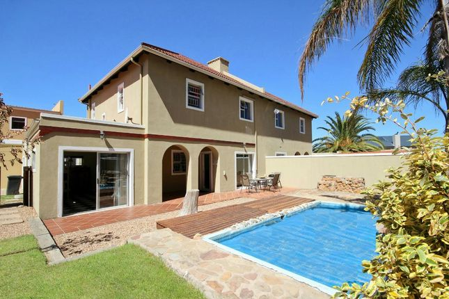 4 bed town house for sale in Stableford Mews, Somerset West, Western Cape