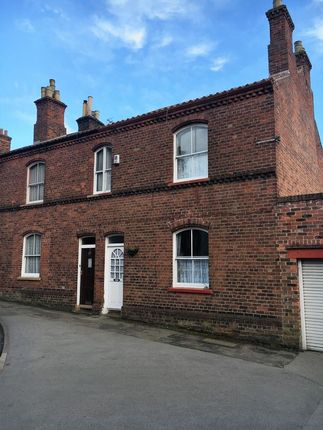 Thumbnail Terraced house to rent in Baylegate, Bridlington