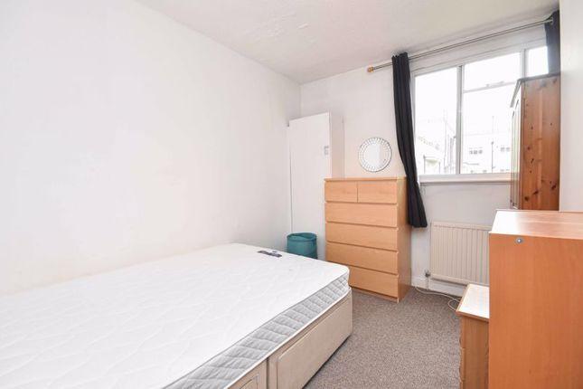 Bedroom of Nightingale Lane, London SW12