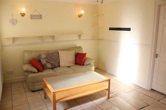 Thumbnail Flat to rent in Woodbrook Road, London