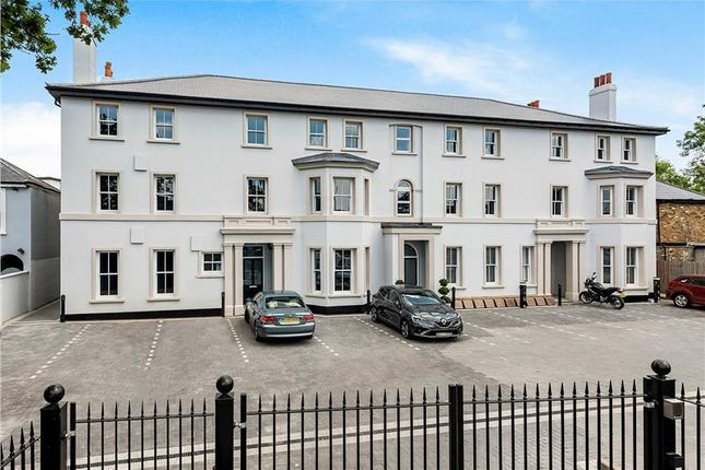 Commercial property for sale in Flat 2 Laurel Bank House, 15-17 Bromley Common, Bromley, Kent