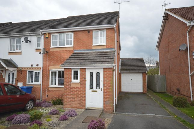 Thumbnail Town house for sale in Rempstone Drive, Chesterfield