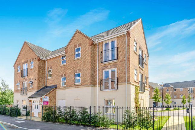 Thumbnail Flat for sale in Drakes Avenue, Leighton Buzzard