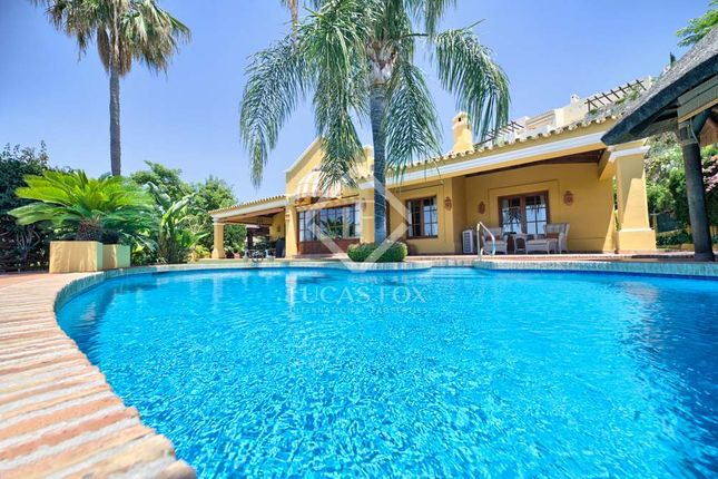 4 bed villa for sale in Spain, Andalucía, Costa Del Sol, Marbella, Benahavís, Mrb6704