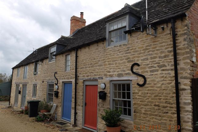 Thumbnail Terraced house to rent in Turners Yard, West Street, Oundle, Peterborough