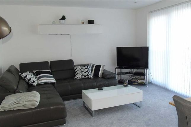 Thumbnail Flat for sale in Meridian Tower, Marina, Swansea
