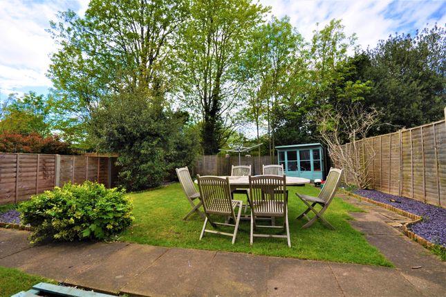 Thumbnail Maisonette for sale in Gloucester Close, Thames Ditton