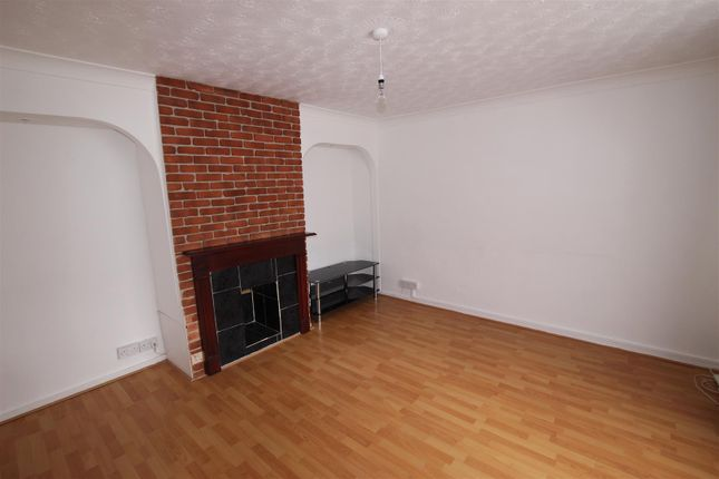 Thumbnail Property to rent in The Link, Houghton Regis, Dunstable