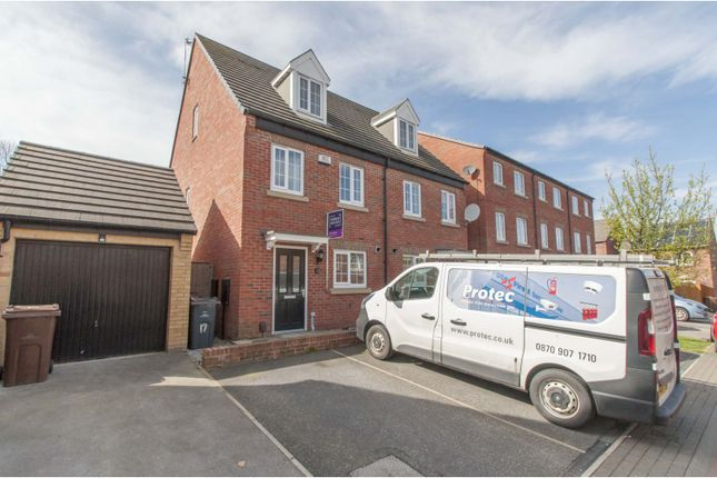 Front of Windmill Close, Barnsley S70