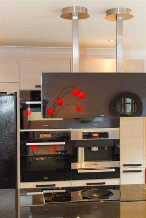 Kitchen Detail (2)