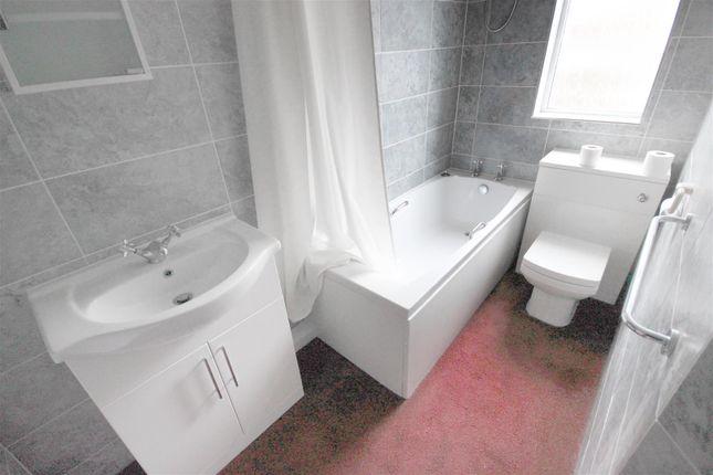 Bathroom of Millmount Road, Sheffield S8