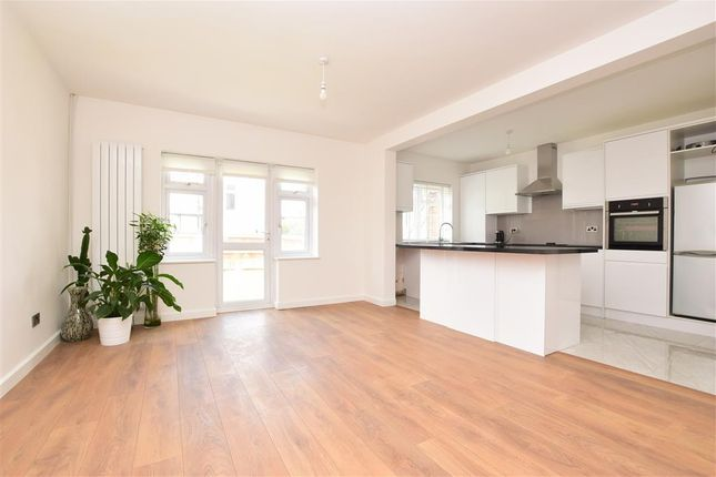 Thumbnail Terraced house for sale in Bridle Road, Shirley, Croydon, Surrey