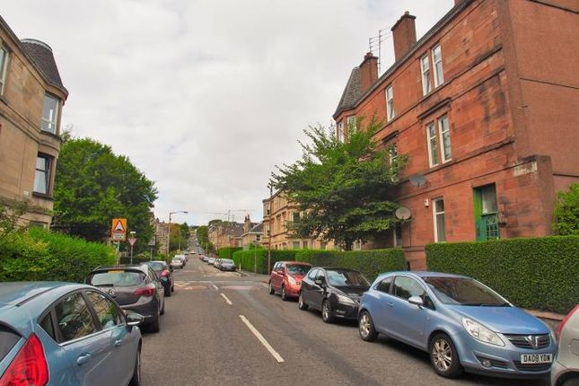 Thumbnail Flat to rent in Ledard Road, Glasgow