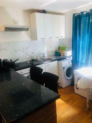 Thumbnail Flat to rent in Kingfisher Road, Neasden