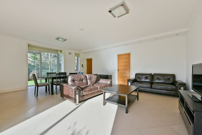 Thumbnail Mews house to rent in Amherst Road, London