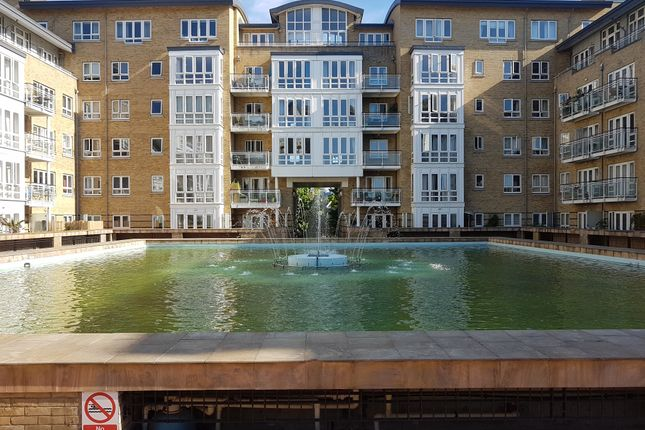 Thumbnail Room to rent in St Davids Square, London