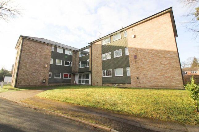 Thumbnail Flat to rent in Knoll Court, Fleet