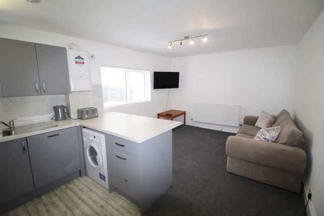 Thumbnail Flat to rent in Hill Park Crescent, Plymouth