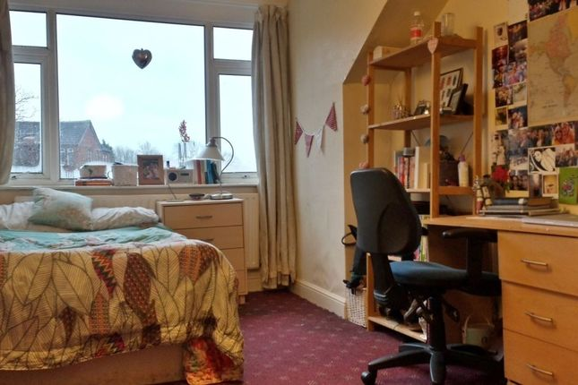 Thumbnail Property to rent in Bainbrigge Road, Headingley, Leeds