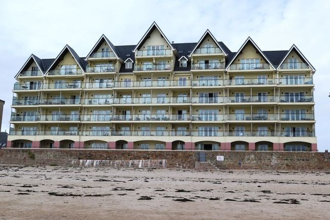 Thumbnail Flat to rent in La Greve D'azette, St. Clement, Jersey