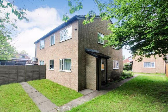 Thumbnail Property for sale in Sorrell Close, Luton