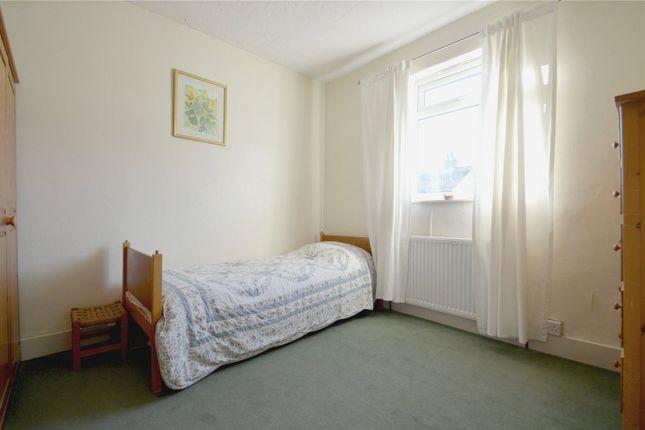 Picture No. 01 of Dartnell Road, Addiscombe, Croydon CR0