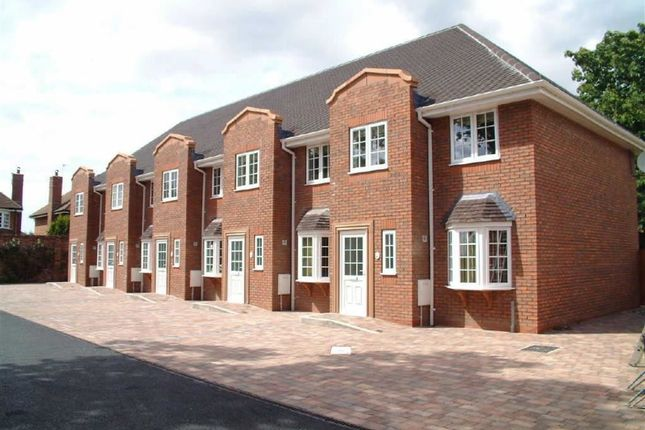 3 bed mews house to rent in The Miners Mews, Worsley, Manchester